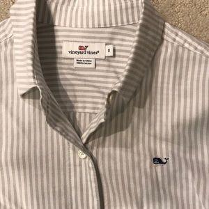 Vineyard Vines Tops - NWT. Vineyard Vines Women's Button Down Shirt